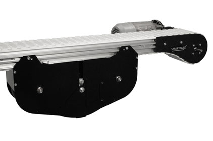 The Dorner 2200 Series SmartFlex flexible chain conveyor