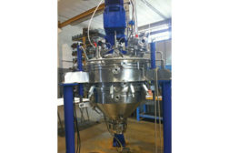Cone central shaft dryer