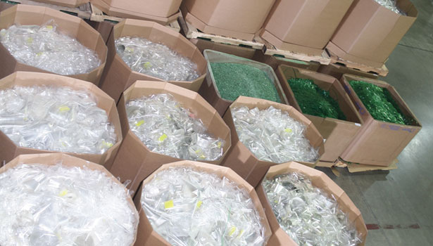 segregation waste recycle green white