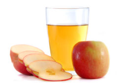 """FDA proposes new """"action level"""" for arsenic in apple juice"""