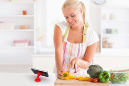 Millennial moms use mobile tech in the kitchen