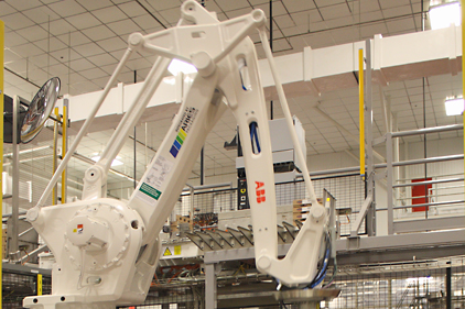 Robot in action; Photo: Wayne Labs